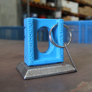 ROAD PLATE LIFTER